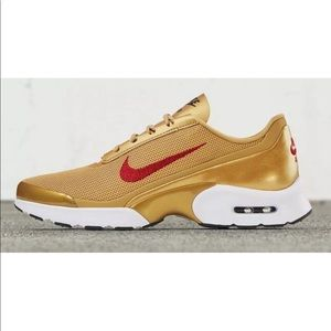 Nike Air Max Jewell LX Gold, White & Red